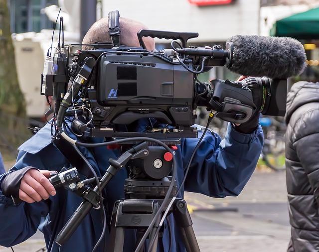 土性沙羅(どしょうさら)さんの人気が急上昇中!人気テレビ番組にも多数出演